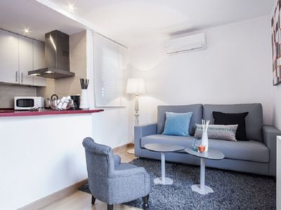 Photo for Rambla Paris Attic  apartment in Eixample Esquerra with WiFi, air conditioning, private terrace & l…