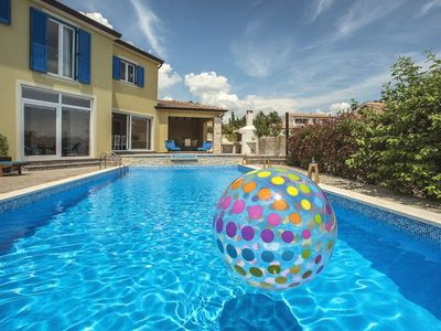 Photo for Attractive villa with pool, sauna, table tennis, air conditioning, WiFi and large barbecue area