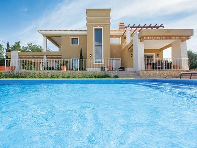 Photo for 5 bedroom Villa, sleeps 10 with Pool and FREE WiFi