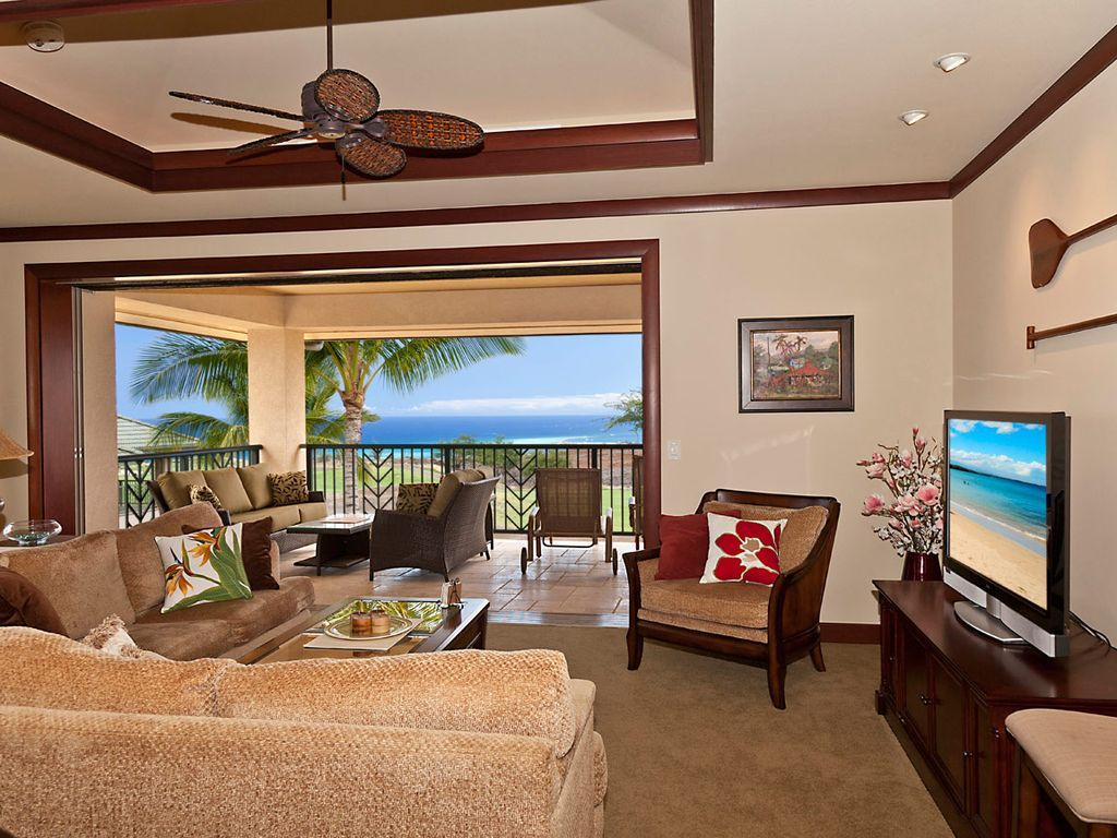 Cond 233 nast traveler 2013 hot list of top new hotels worldwide - Great Room With Pocket Doors Opened To Lanai And Ocean