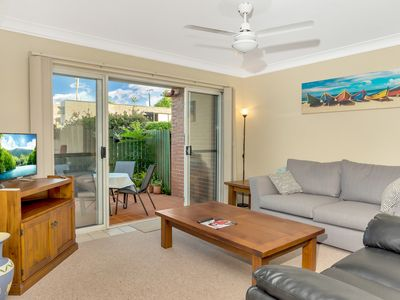 Photo for Superb + Convenient 2 Bedroom Courtyard Apartment