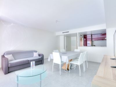 Photo for Apartment in Antibes with parking and aircon 600 m from sandy beach