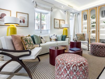 Photo for Elegant & large town house with rooftop terrace