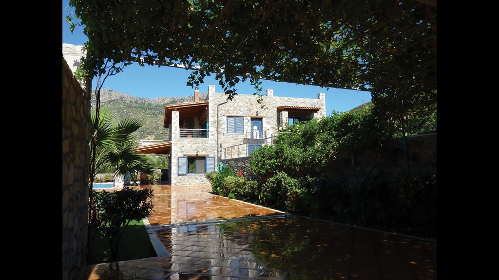 Brand New Rock Castle Villa Kissamos Location De