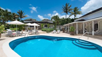 Golf Villa with Swimming Pool, Free Beach Club Access, Cook andHousekeeping Included, Free Wifi
