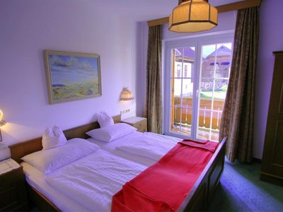 Photo for Double room with balcony / shower / WC (101,108) - Pension Oberjörg