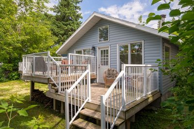 GORGEOUS Cape Cod Flare cottage directly across from Sylvan Lake/Beach  -Sept long special - Sylvan Lake