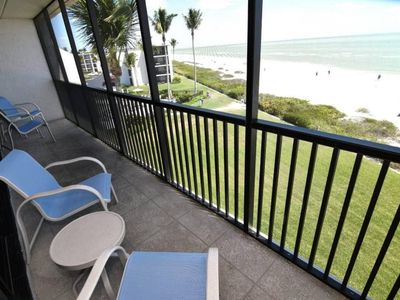 Photo for One bedroom Gulf front 25ft from beach PLUS $100+ Exclusive Beach Resort Discounts on Food, Beverage