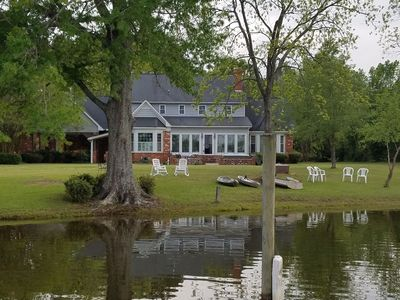 Lakefront Home***Private Dock***Large Yard***Outdoor Fireplace