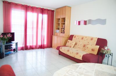 Photo for Modern, air conditioned, one bedroom apartment In the centre of Antibes town.
