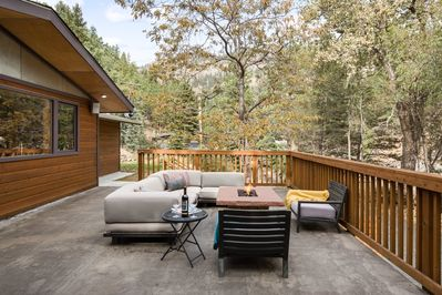 700 square foot deck with gas fire pit and BBQ