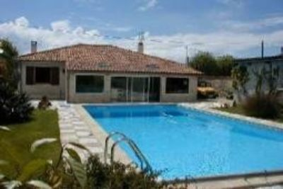 Photo for Heated swimming pool, softness of living, and great comfort near La Rochelle