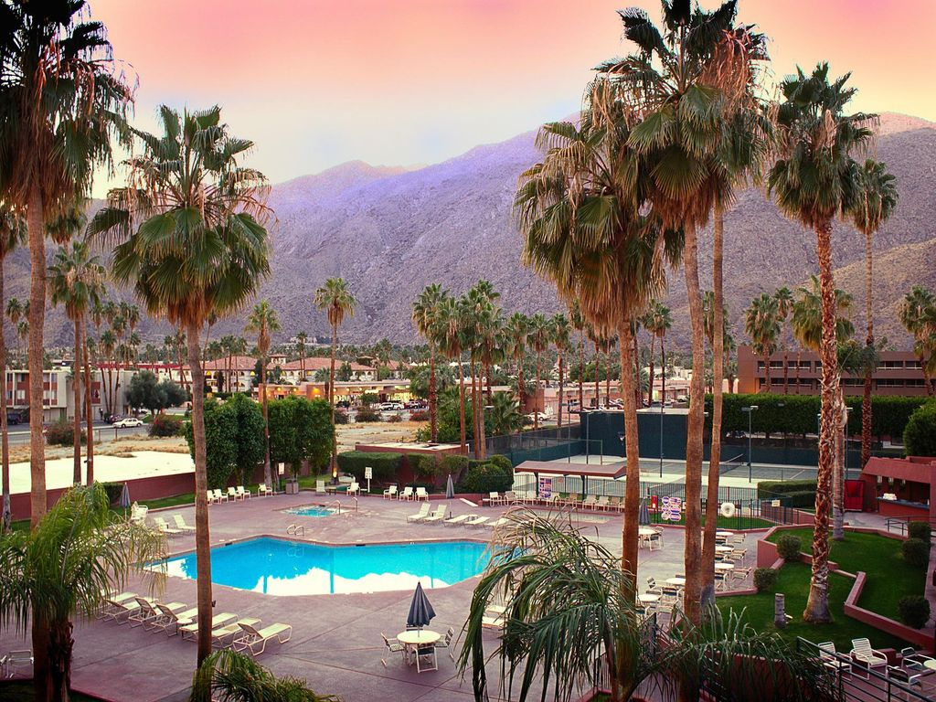 Condos in the Heart of Palm Springs w  Mountain Views  Tennis Court  Pool   WiFi and Nearby Horseback Riding. Condos in the Heart of Palm Springs w       HomeAway Palm Springs