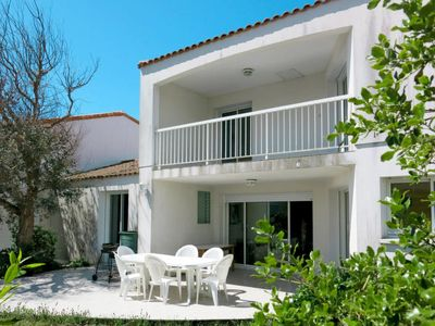Photo for Vacation home La Circulaire (TSM215) in La Tranche sur Mer - 8 persons, 4 bedrooms