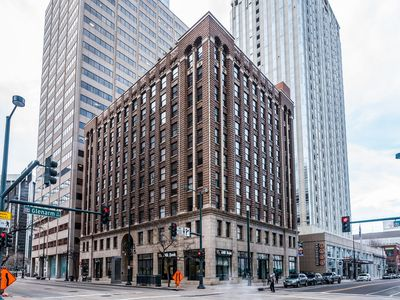 Photo for Great 1 Bed Condo in the Heart of Downtown Denver! Steps away from 16th St Mall