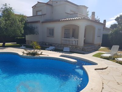 Photo for Beautiful villa with private pool for 9 people, 600m from the beach Calaforn
