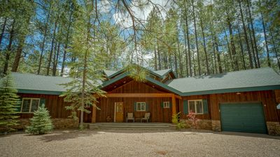 Photo for Gorgeous Cabin Retreat located on the Pine Top Lakes Golf Course (hole 13)