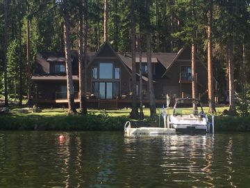Beautiful Lakefront Lodge On Placid Lake