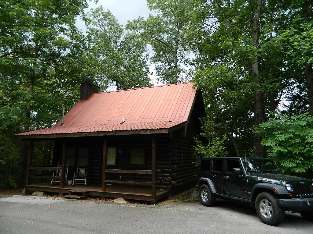 gatlinburg tennessee honeymoon log cabin re vrbo