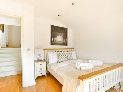 Photo for Beautiful 2 bed flat in Clapham Junction!! CLAP RU - Two Bedroom Apartment, Sleeps 6