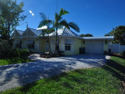 Photo for Newly Renovated Cozy Anna Maria Island Cottage!