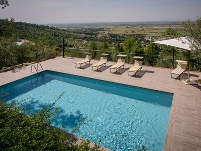 Photo for Villa with panoramic pool, 4 bedrooms and 3 bathrooms, 4 km from Castiglion Fiorentino. Satellite TV