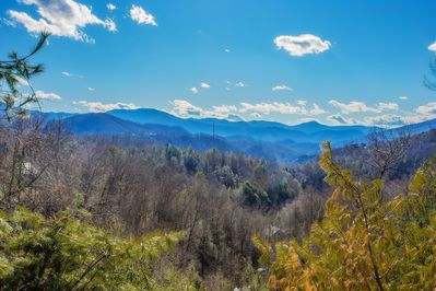 Views of Mt. LeConte and surrounding mountains