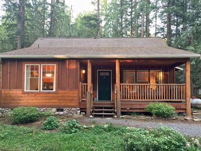 Photo for Glacier Springs Cabin #bedrooms, 2 baths - hot tub! Pet Friendly!