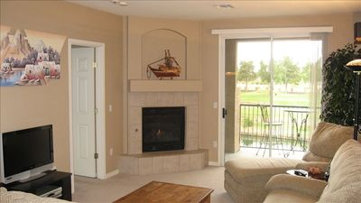 Photo for Beautiful Superstition Lakes Condo: Golf Course, Lakes & Pool