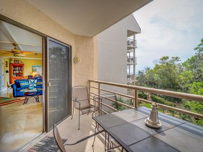 Photo for Stunningly remodeled 3rd floor villa with ocean views!