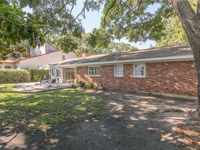 Photo for This pet friendly home offers an open floor plan with lots of room for the family!