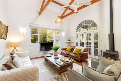 High vaulted ceilings give the living area lots of character