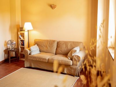 Photo for Hill-View Apartment in Lucignano with Private Terrace