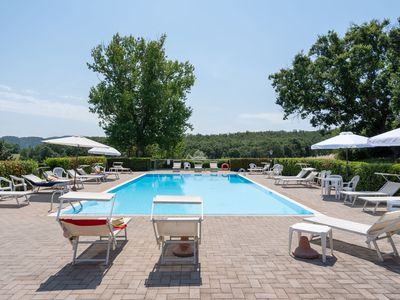 Photo for Lovely apartment for 4 guests with pool, WIFI, TV, panoramic view and parking