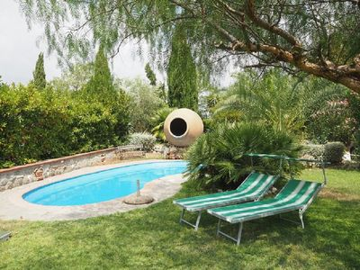 Photo for Farmhouse with garden and swimming pool 15min from Rome center