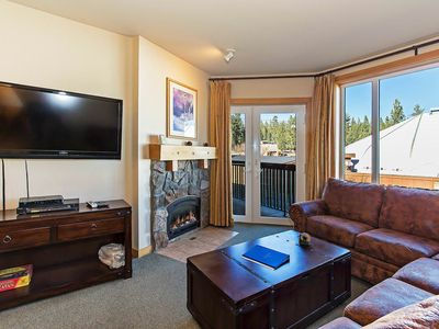 Photo for Ski in & out condo w/ jacuzzi, BBQ, lockers- walking distance to Eagle Express