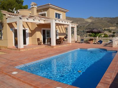 Photo for This 4-bedroom villa for up to 8 guests is located in El Campello and has a private swimming pool, a
