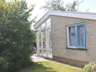Photo for Beautiful 4 pers. Bungalow with conservatory in De Koog on Texel, The Netherlands