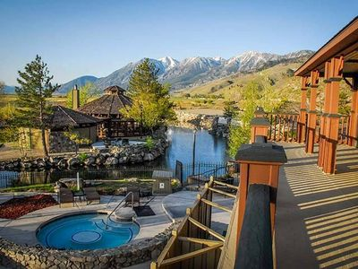 David Walley'sHot Springs & Spa Resort 1 BR Suite, Sleeps 4 SATURDAY Check-In