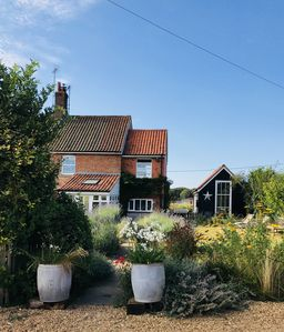 Photo for Simple and stylish Ex Farm Cottage, North Norfolk, 4 miles from sandy beaches