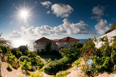 Come see the most beautiful views of the ocean on the island of St. Maarten