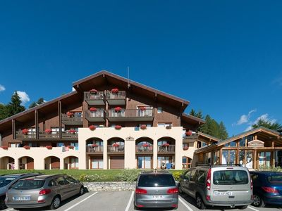 Photo for Cozy ground garden with terrace and panoramic views of the Vanoise 100m from the chairlift to ...