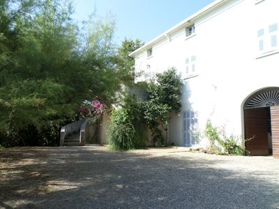 Photo for Spacious apartment on the ground floor of a villa, quiet