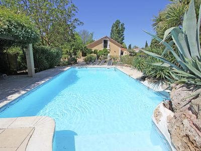 Photo for Lovely airconditioned villa with 4 suites and large pool near the Mediterranean