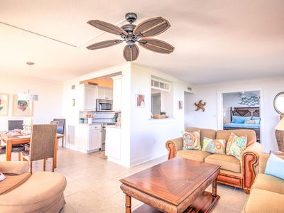 Newly Renovated 4th Floor Condo Directly Across For The Siesta Key Beach