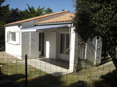 Photo for single storey holiday home in private, fenced property.
