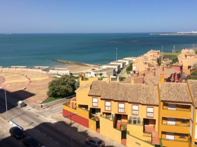 Photo for Cozy apartment with a view on Cadiz bay