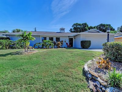 Photo for Spacious Home - Short drive to #1 Beach - Siesta Key