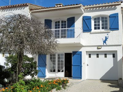 Photo for House 8 people near beach and center of St Gilles