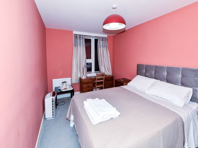 Photo for Budget Guest Room in Swiss Cottage London